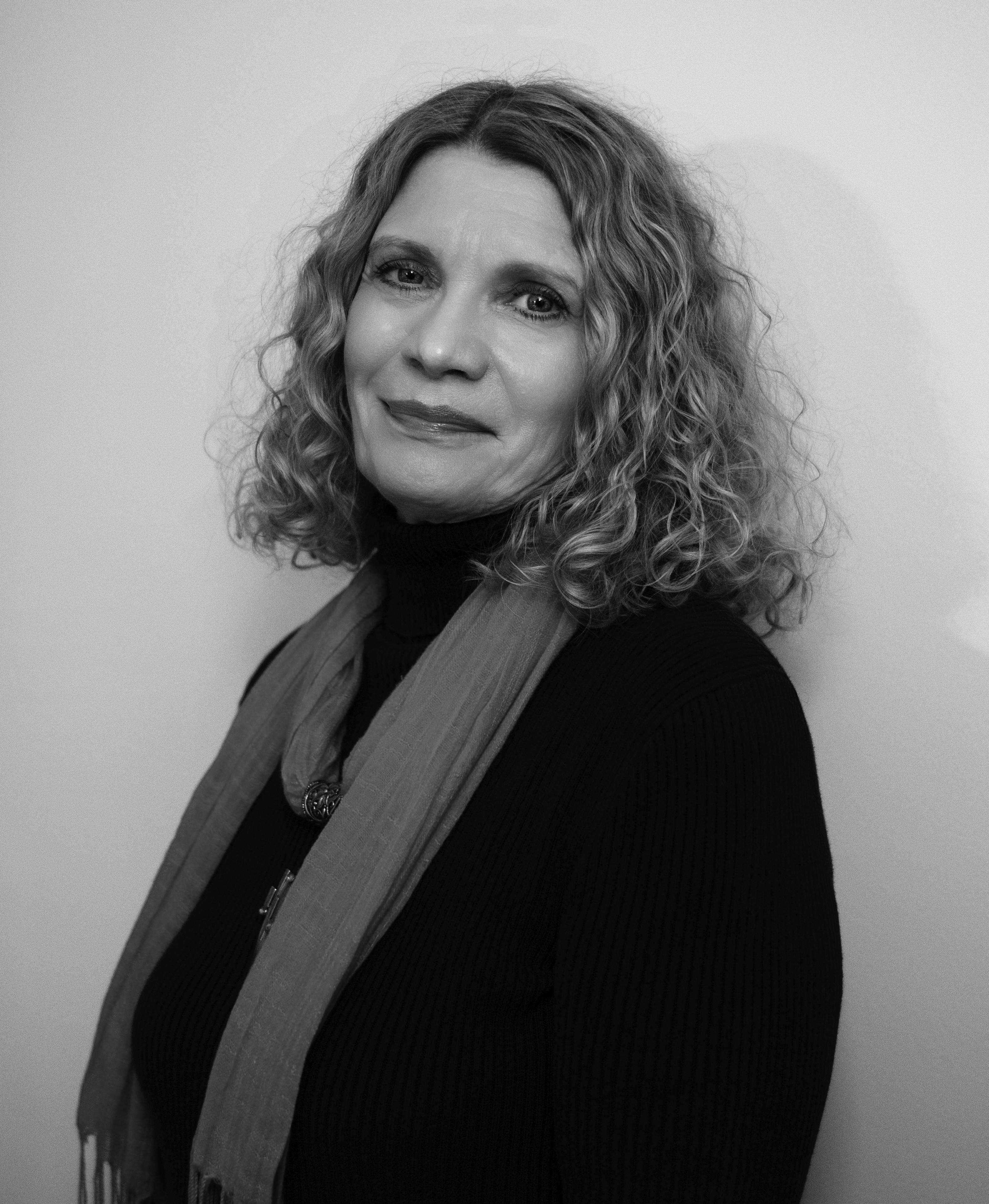 Linda Nemec Foster by Dianne Carroll Burdick-BW